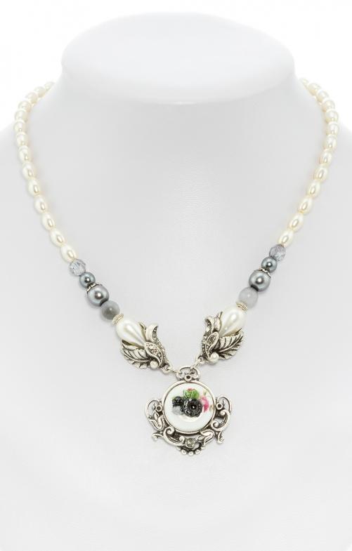 Perlenkette mit Blumenanhänger grau